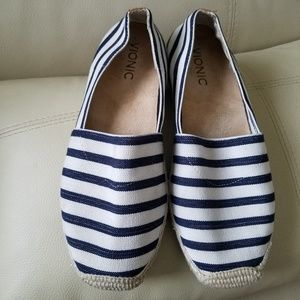 Vionic shoes size 7.5